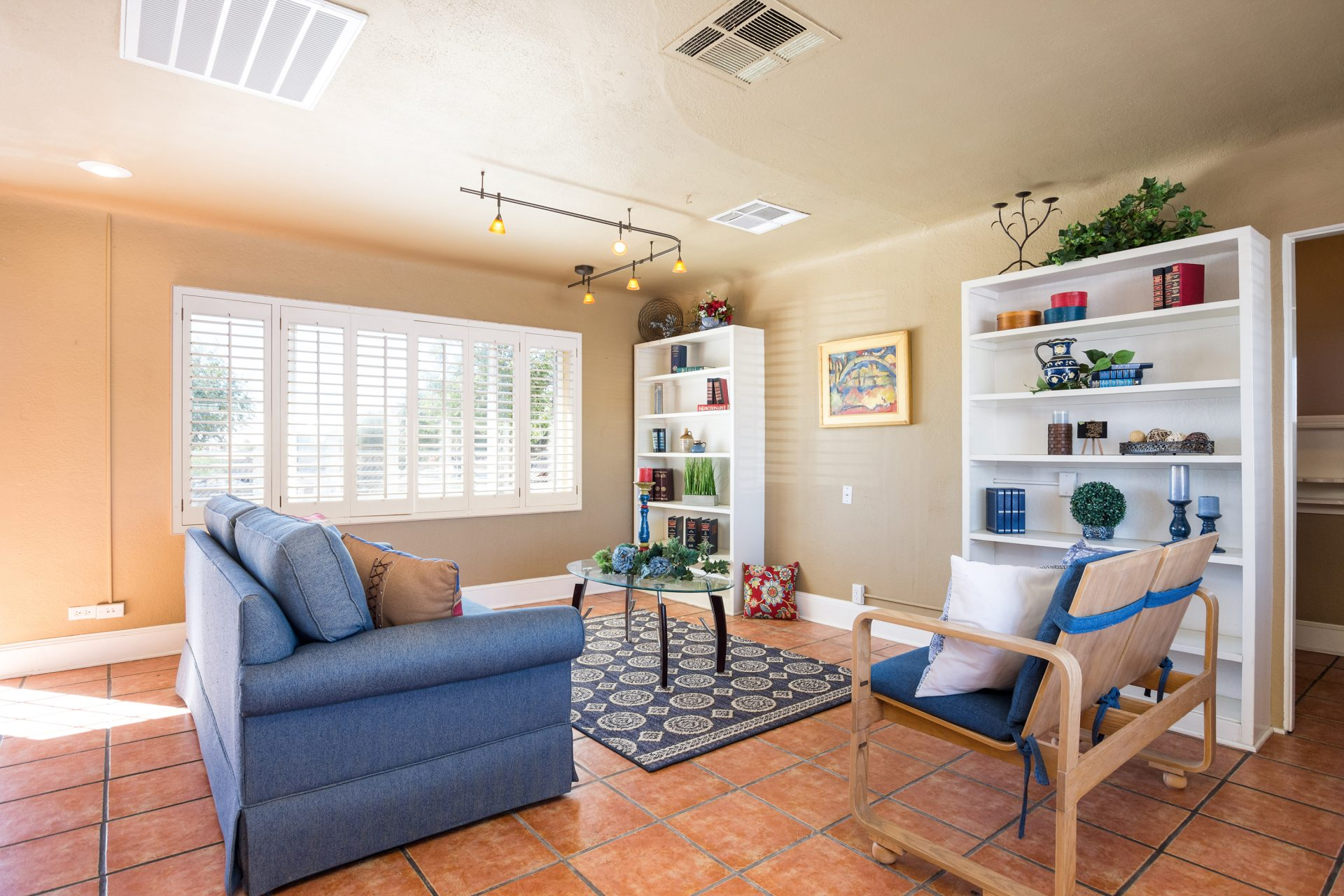 2460 Jordan Living Room