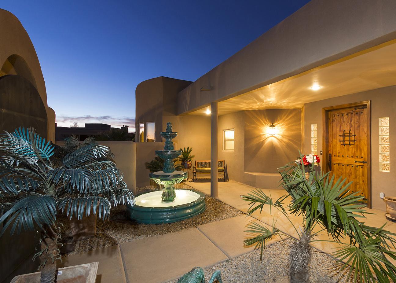 Las Alturas Home Courtyard